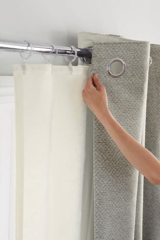 Difference Between Shower Curtains And Curtain Liners